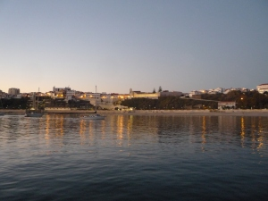 Sines beach and town - El Castelo at the top