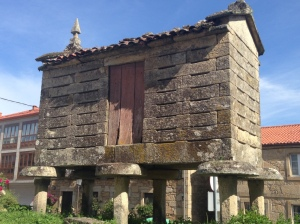 A Galician grain store to keep the rats out!